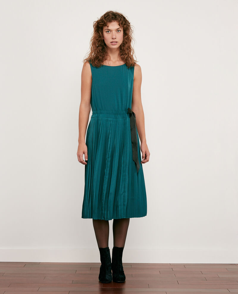 Vestido con parte plisada Light deep green Dosoleil