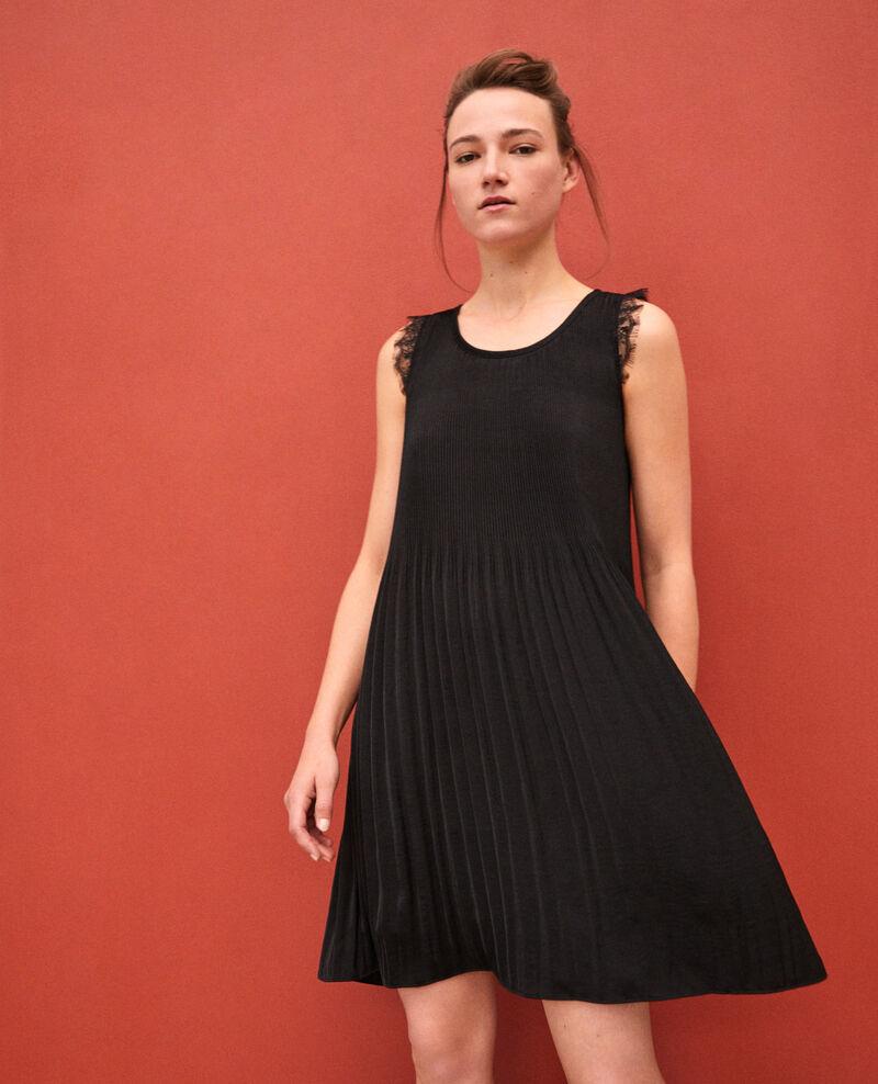 Vestido plisado con encaje Negro Garla