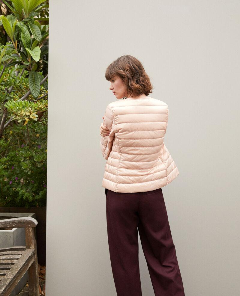 Plumas ultraligero con cuello redondo Light pink Fildown