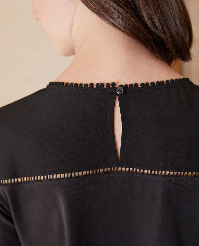 Camiseta de dos tejidos con detalles de borlas Noir Glivoire