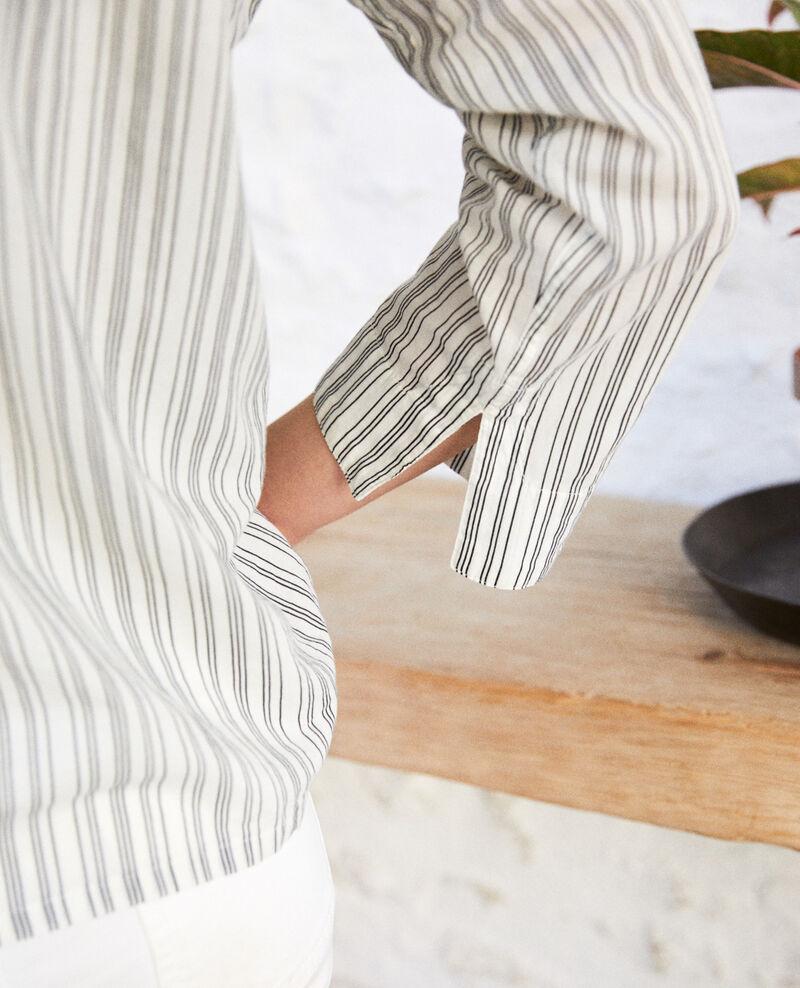 Camisa de cuello abierto  Off white/grey Iteria