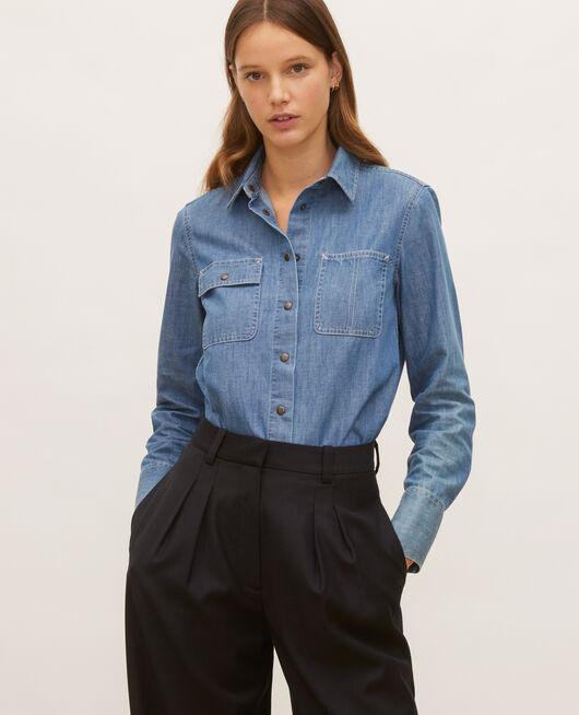 Camisa vaquera con bolsillos asimétricos. DENIM BLUE