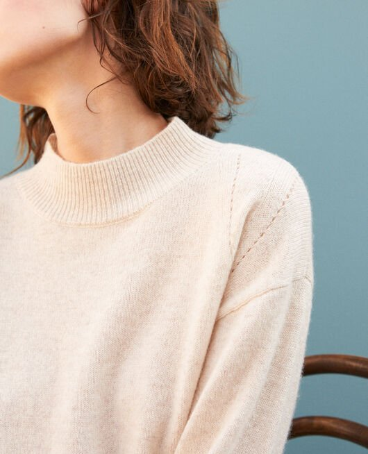 Jersey de cachemir con cuello subido  Beige