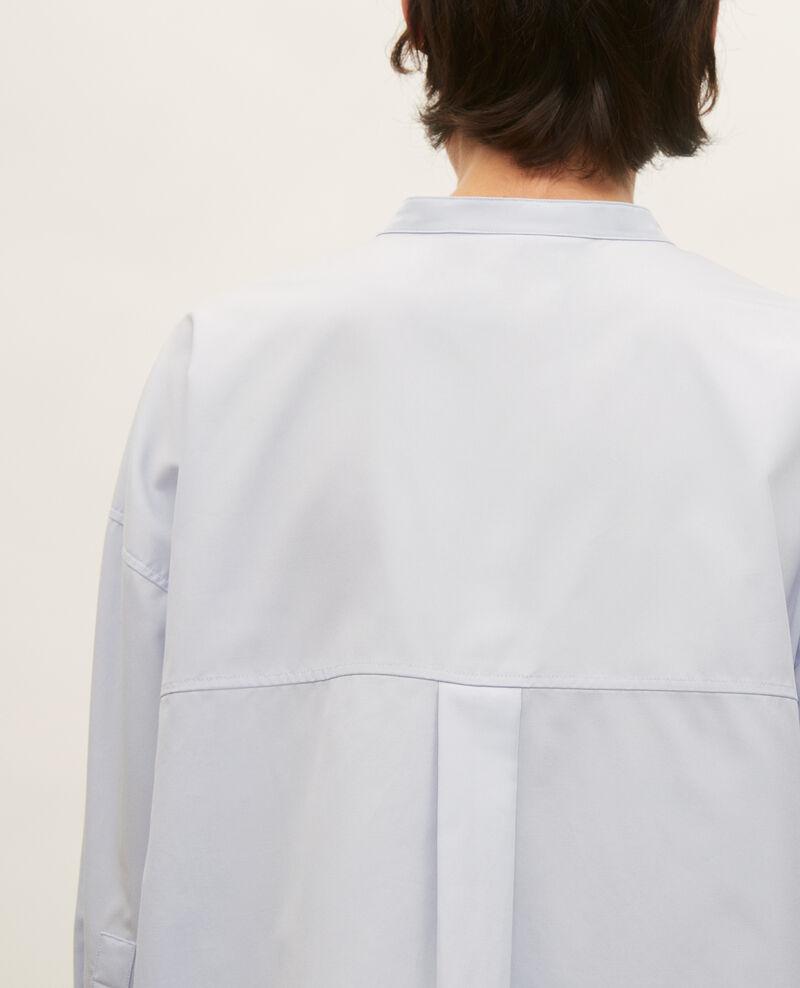 Camisa sin cuello de popelina de algodón. Heather Lyringas