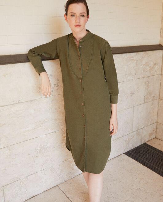 Vestido de terciopelo con cuello mao Verde