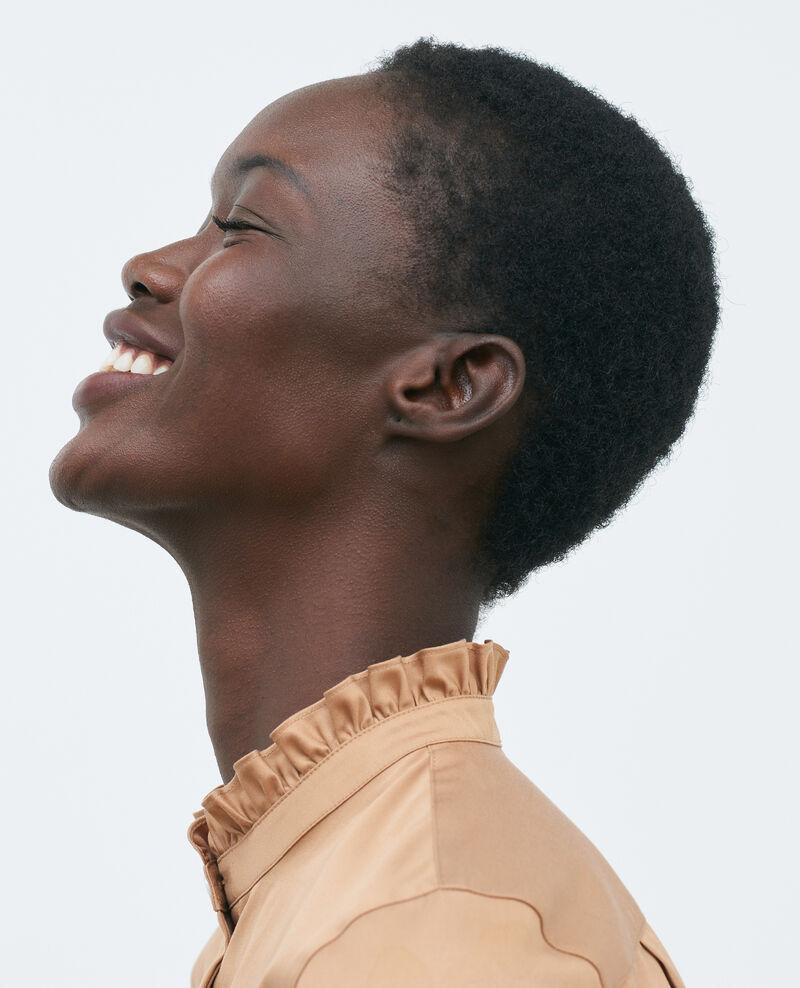 Camisa de algodón cuello subido con volante Latte Marcenat