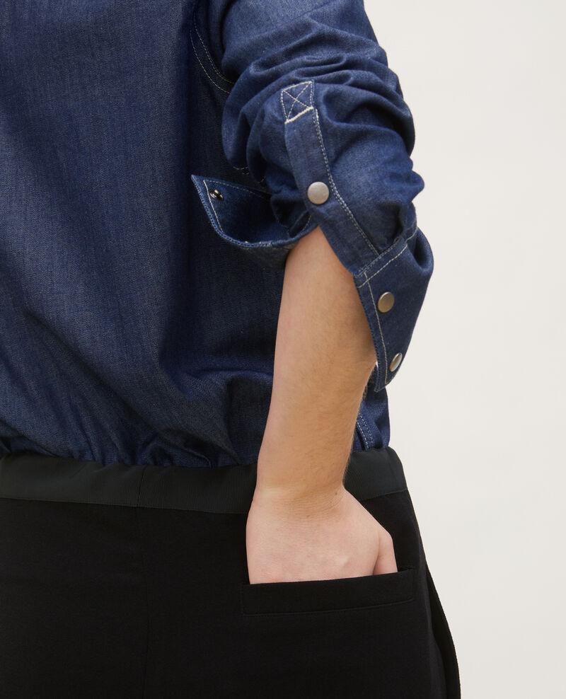 Camisa vaquera con bolsillos asimétricos. Denim brut Ladigne