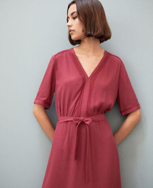 Vestido con inserciones de bordados EARTH RED