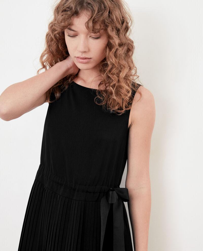 Vestido con parte plisada Noir Dosoleil