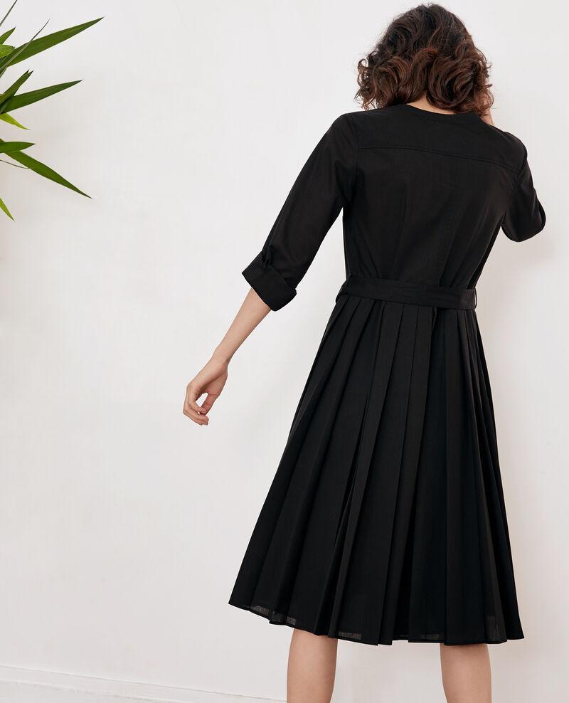 Vestido con plisado Noir Festival