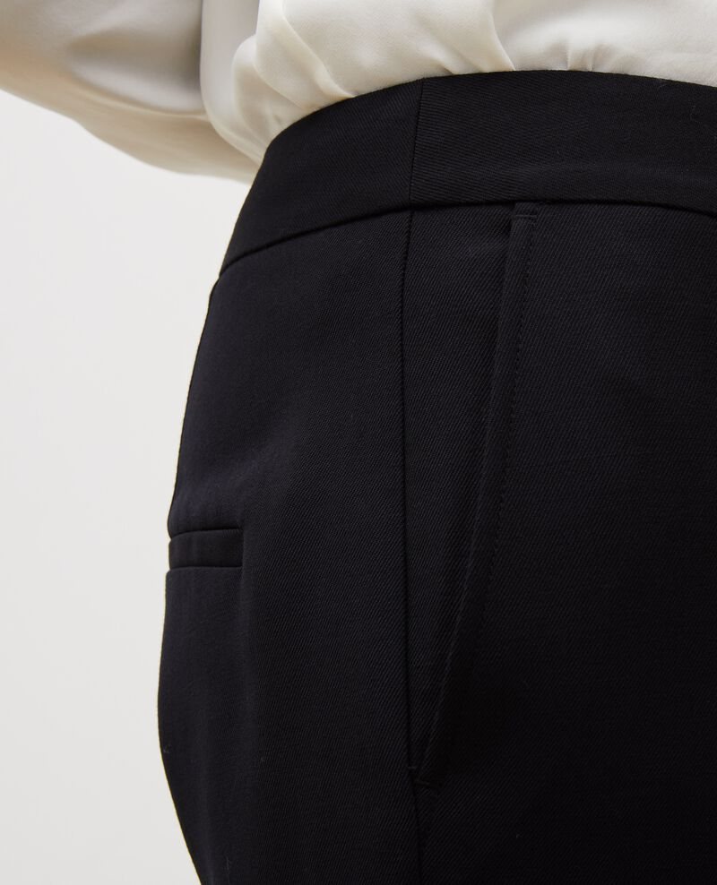 Pantalones MARGUERITE, 7/8 tapered de lana  Black beauty Mokyo