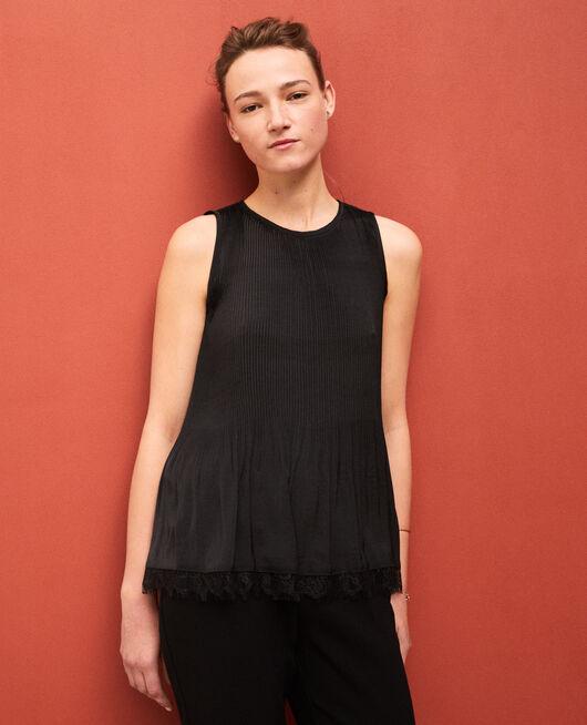 Blusa plisada con encaje Negro