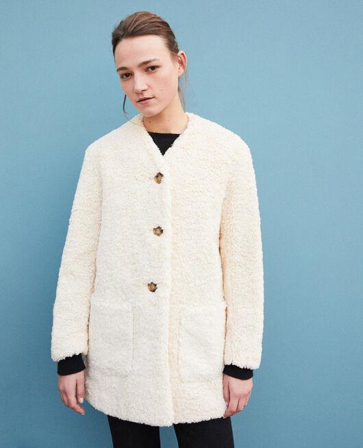 Abrigo piel sintética OFF WHITE
