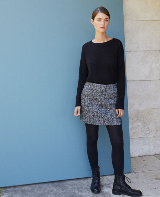 Falda corta de espiga Negro