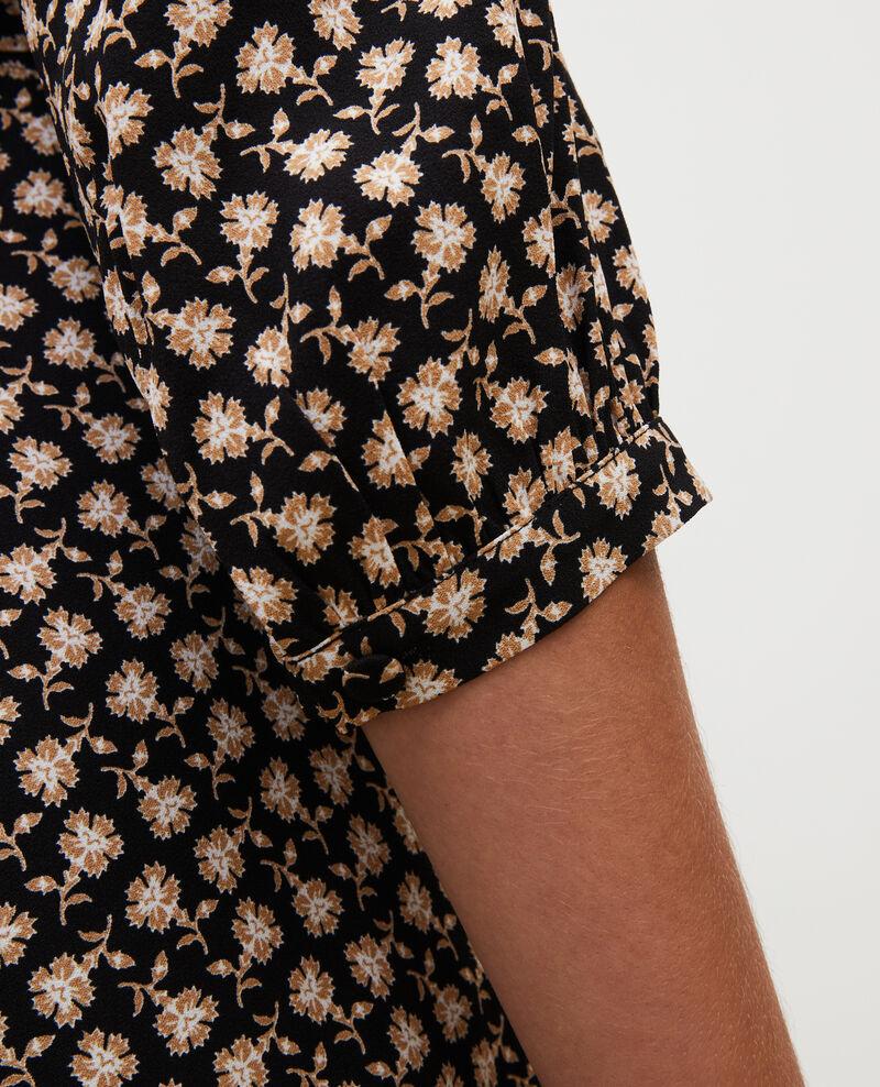 Vestido cruzado evasé con estampado floral Print fleurettes black latte Miremonta