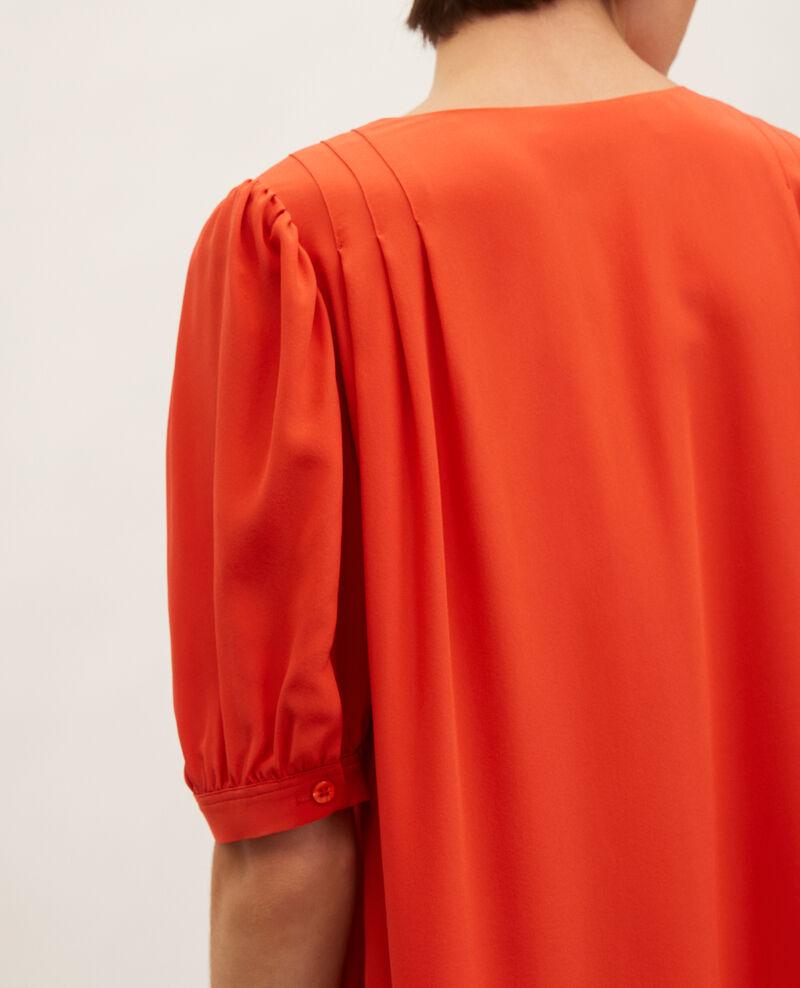 Vestido largo de seda amplio y fluido con cuello de pico Valiant poppy Manthes