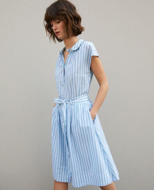 Falda con cinturón Azul