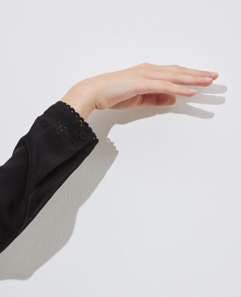 Blusa fluida de seda y encaje Black beauty Nargut
