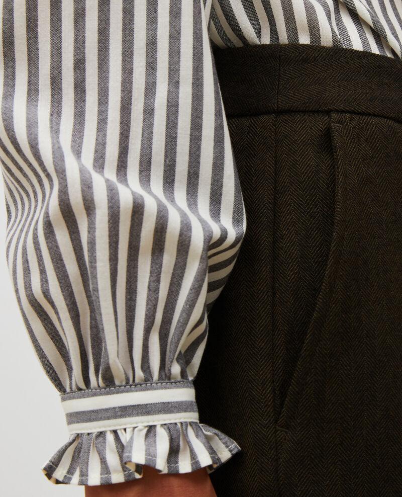Pantalones MARGUERITE, 7/8 tapered de lana  Military green Mokita