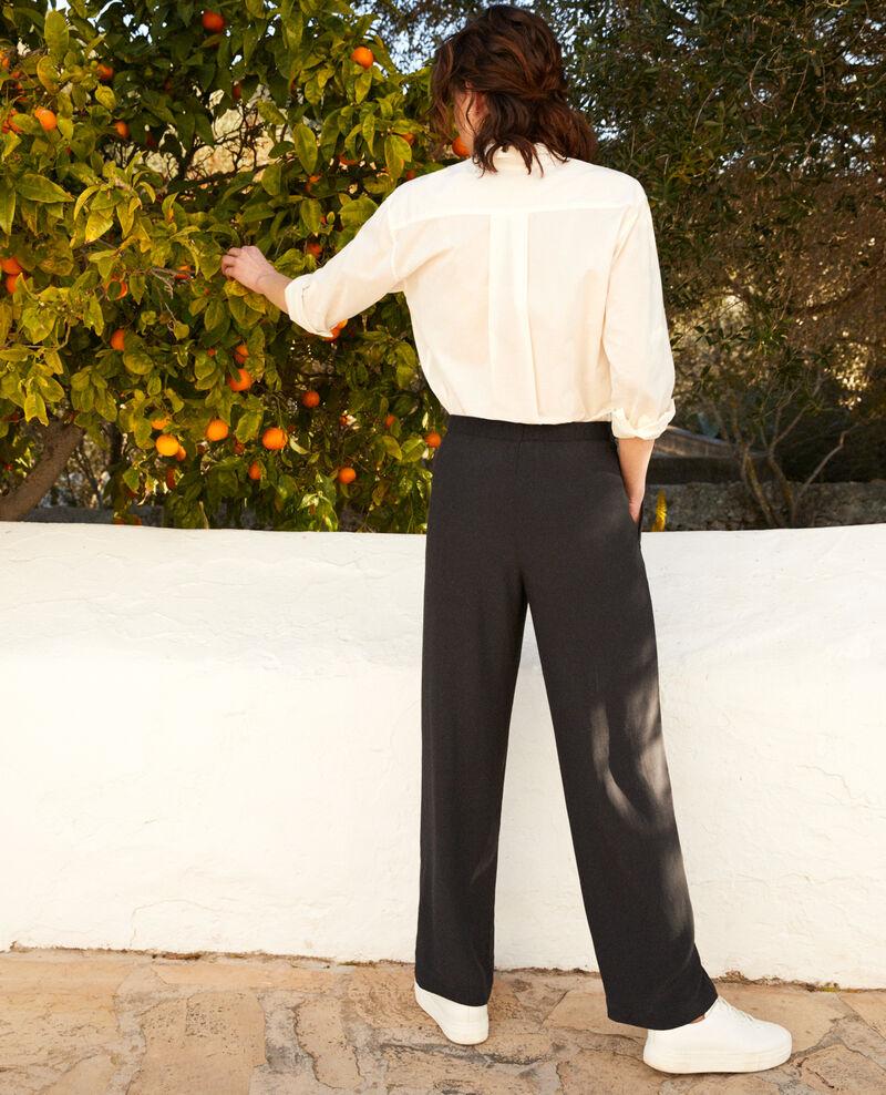 Pantalón corte carrot fluido y ligero Noir Ifondant