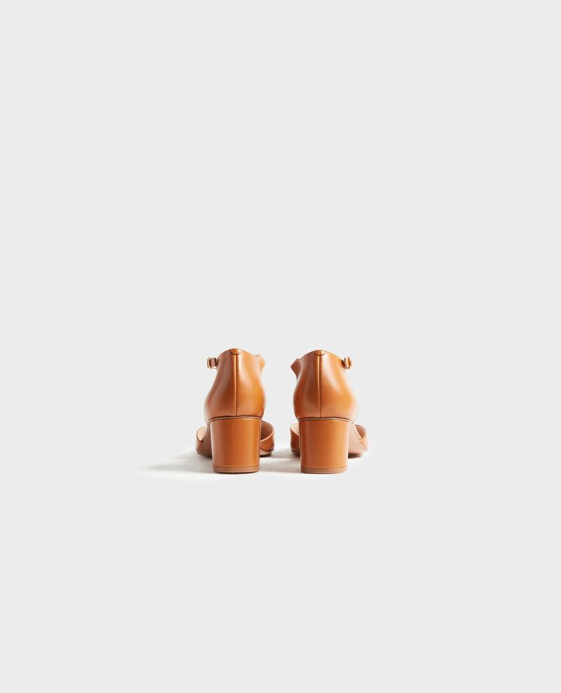 Zapatos salomé de piel Camel Pegeve