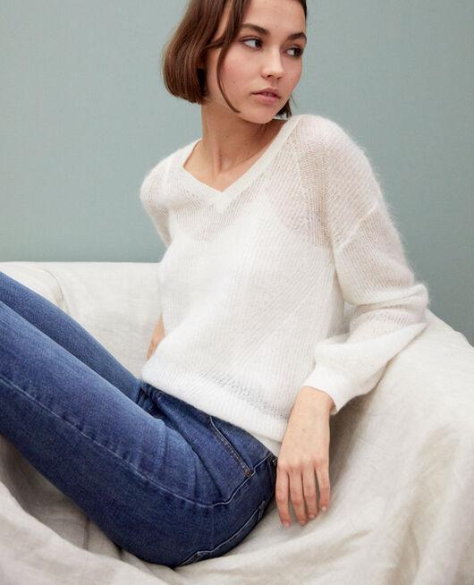 Jersey de cuello de pico con mohair OFF WHITE
