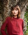 Blusa hecho de seda con detalle de encaje Cabernet Javant
