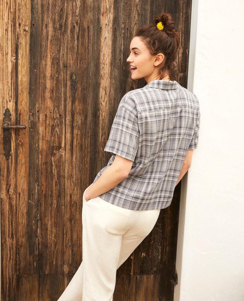 Camisa con cuello abierto de algodón Off white/navy Itricia