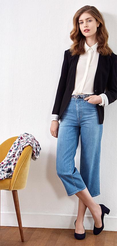 Look - Chaqueta de traje, jeans y zapatos de tacón de ante