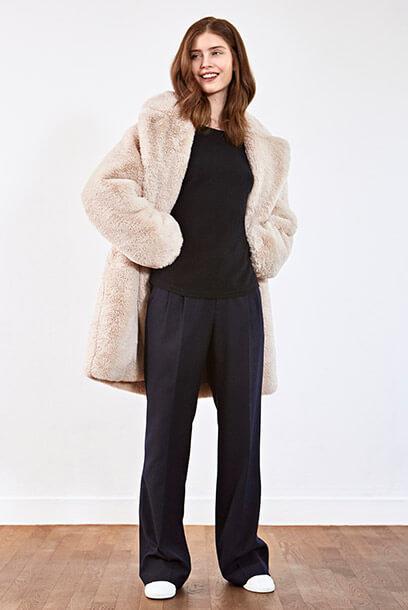 Look - Jersey de cachemir, Pantalón, Sneakers de cuero</a>                     </div>