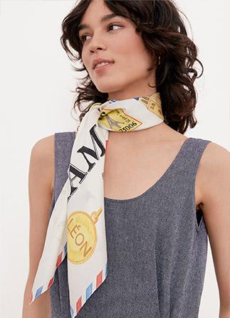 Comment porter un foulard façon Comptoir des Cotonniers