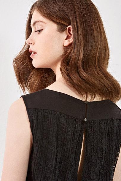 Look - Jersey de lana merino, Salones con tacón metálico, Pantalón de pana, Cinturón de cuero